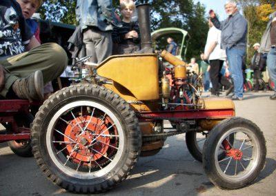 Traktor und Gesichter 08